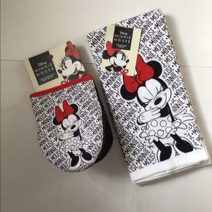 Disney Minnie Mouse 2pk Oversized Mini Mitts/Dish Towels White Black
